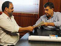 Prefeito e Dep. Marcus Vinicius se reúnem com o secretário de Ambiente André Corrêa